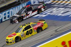 Landon Cassill, Circle Sport Racing Chevrolet en Michael Annett, Tommy Baldwin Racing Chevrolet