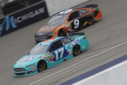 Ricky Stenhouse Jr., Roush Fenway Racing Ford et Marcos Ambrose, Richard Petty Motorsports Ford