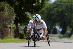 Alex Zanardi se prepara para un triatlón de larga distancia que se celebrará en Hawai en octubre