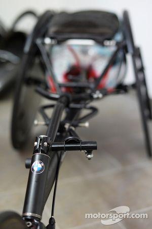 La sedia a rotelle che Alex Zanardi utilizzerà in una gara di triathlon di lunga distanza che si terrà alle Hawaii nel mese di ottobre