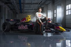 Max Verstappen will drive for Toro Rosso in 2015