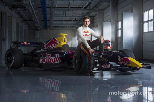 马克思·维斯塔潘确定驾驶小红牛赛车参加2015赛季比赛