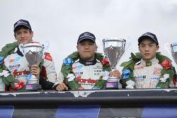 Yarış galibi Martin Cao, ikinci sıra Matt Rao, üçüncü sıra Peter Li Zhi Cong