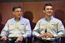 Carl Edwards et Daniel Suarez
