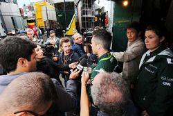 Andre Lotterer, Caterham F1 Team con i media