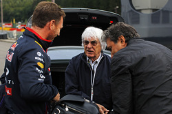 (L to R): Christian Horner, Red Bull Racing Team Principal with Bernie Ecclestone, and Pasquale Lattuneddu, of the FOM