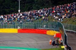 Pastor Maldonado, Lotus F1 E21 se estrelló y queda fuera de FP2
