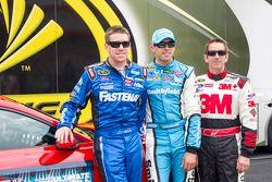 Carl Edwards, Aric Almirola e Greg Biffle