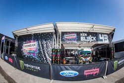 #43 Hoonigan Racing Division Ford Fiesta ST: área do paddock