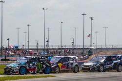 Start: #43 Hoonigan Racing Division Ford Fiesta ST: Ken Block ve #31 Olsbergs MSE Ford Fiesta ST: Jo