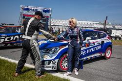 #59 Chevrolet Sonic Racing / PMR Motorsports Chevrolet Sonic: Pat Moro e #27 Hyundai / Rhys Millen R