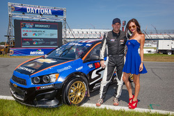 #59 Chevrolet Sonic Racing / PMR Motorsports Chevrolet Sonic: Pat Moro com a Red Bull girl