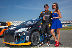 #14 Barracuda Racing Ford Fiesta ST: Austin Dyne com a Red Bull girl