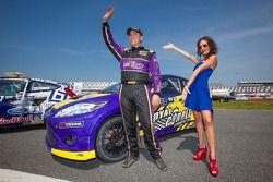 #00 Royal Purple Racing / OMSE2 福特嘉年华 ST: 斯蒂夫·阿尔平 和 红牛女郎