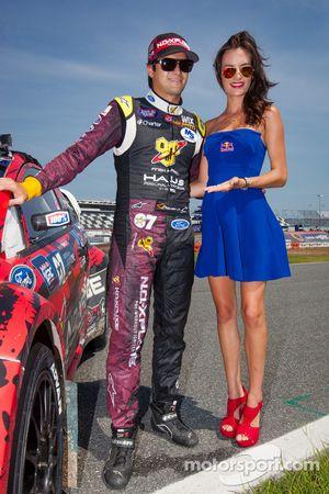 #07 SH Racing Rallycross 福特嘉年华 ST: 小尼尔森·皮奎特 和红牛女郎