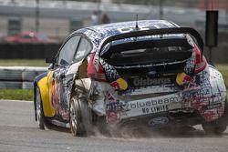 #31 Olsbergs MSE Ford Fiesta ST: Joni Wiman : 3 tours sans pneu arrière gauche