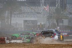 #77 大众 安德雷蒂 Rallycross 大众 Polo: 斯科特·斯皮德 撞车