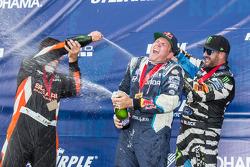 Pódio: champanhe para # 67 Hyundai / Rhys Millen Racing Hyundai Veloster: Rhys Millen, nº 43 Hooniga