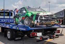 Heavy damage on the #77 Volkswagen Andretti Rallycross Volkswagen Polo: Scott Speed