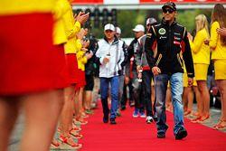 Pastor Maldonado, Lotus F1 Team alla parata dei piloti