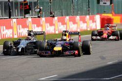 Sebastian Vettel, Red Bull Racing en Kevin Magnussen, McLaren F1