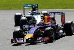 Sebastian Vettel, Red Bull Racing en Nico Rosberg, Mercedes AMG F1 Team