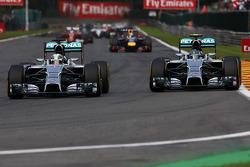 Lewis Hamilton, Mercedes AMG F1 W05, und Nico Rosberg, Mercedes AMG F1 W05