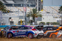 #27 Hyundai / Rhys Millen Racing Hyundai Veloster: Emma Gilmour, #81 Subaru Rally Team USA Subaru WR
