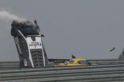 Crash important : #88 Reiter Engineering Lamborghini LFII: Stefan Rosina, Tomas Enge