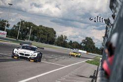 #76 BMW Sports Trophy Team Schubert BMW Z4: Thomas Jäger, Dominik Baumann : Vainqueurs
