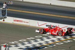 Scott Dixon, Target Chip Ganassi Racing Chevrolet vence
