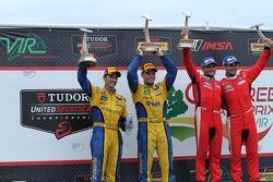 GTLM Kazanan #62 Risi Competizione Ferrari F458: Giancarlo Fisichella, Pierre Kaffer, GTD Kazanan #9