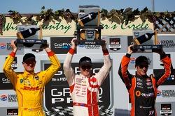 Ryan Hunter-Reay, Andretti Autosport Honda, Scott Dixon, Chip Ganassi Racing Chevrolet and Simon Pag