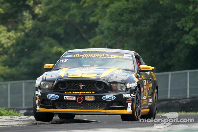#32 Phoenix American Motorsports 福特 野马 302R: 库尔特·雷泽塔诺, 安德鲁·阿奎兰特