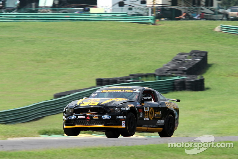 #35 Phoenix American Motorsports 福特 野马 302R: 普雷斯顿·卡尔弗特, 库尔特·雷泽塔诺