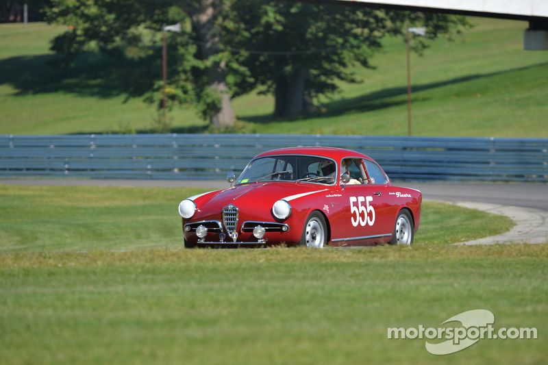 Mighty # 555- Alfa Romeo Spider Veloce Guilietta
