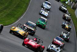"""Group 4-""""一起去赛车""""赛车俱乐部的战后赛车"""