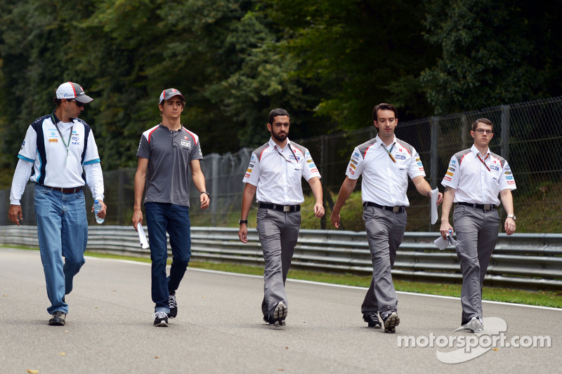 Esteban Gutierrez, Sauber walks the circuit