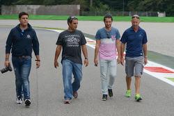 Juan Pablo Montoya, passeggia per il circuito