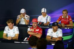 Kevin Magnussen, Valtteri Bottas, Max Chilton, Nico Rosberg, Fernando Alonso, Lewis Hamilton