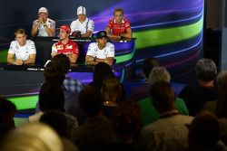 FIA Basın Konferansı: Kevin Magnussen, McLaren F1; Valtteri Bottas, Williams; Max Chilton, Marussia