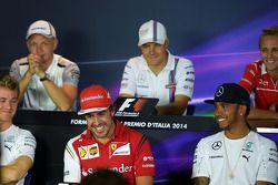 (L to R): Fernando Alonso, Ferrari and Lewis Hamilton, Mercedes AMG F1 in the FIA Press Conference