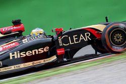 Charles Pic, Terzo pilota, Lotus F1 Team