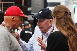 Niki Lauda, Mercedes Non-Executive Chairman with John Surtees (GBR)