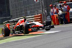 Max Chilton, Marussia F1 Team MR03 jumps the chicane