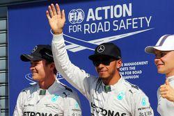 Lewis Hamilton, Mercedes AMG F1, pole position; Valtteri Bottas, Williams