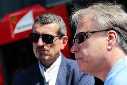 Guenther Steiner, Haas F1 Team Principal and Joe Custer, Stewart Haas Racing Vice President