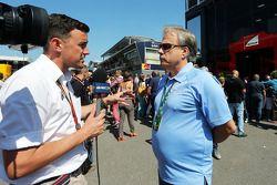 Will Buxton avec Joe Custer, Stewart Haas Racing