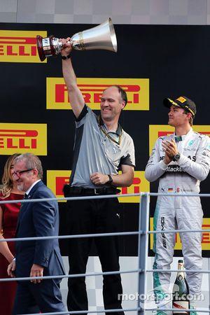 Mercedes sur le podium