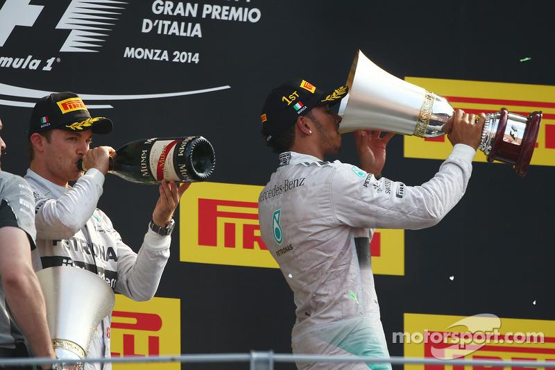 Ganador de la carrera Lewis Hamilton, de Mercedes AMG F1, segundo puesto de Nico Rosberg, de Mercedes AMG F1